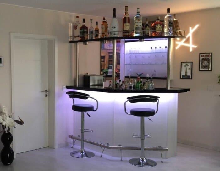 Hausbar Clearlight mit Flaschenbord