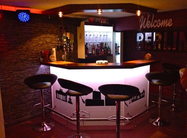 wohnzimmer theke bar top full size of garten bar selber bauen freshouse bartheke holz gebraucht. Black Bedroom Furniture Sets. Home Design Ideas